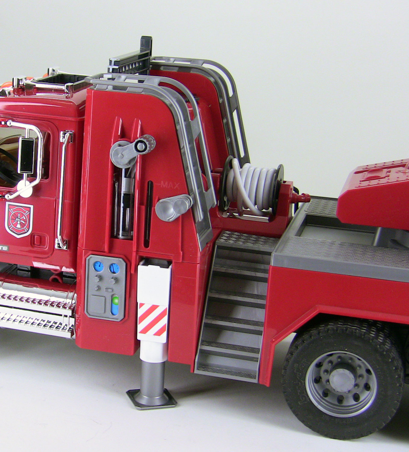 bruder fire truck with water pump instructions